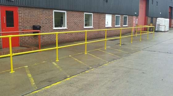 Kee Klamp ground bround based barrier